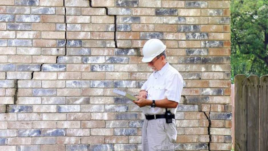 4 Warning Signs that Tell You That Your Home Needs Structural Maintenance